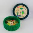 Béka Béla tavaszváró bulija- 15 cm-es kör horgolható faalap - Wood Stitch Collection