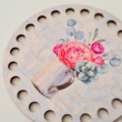 rózsák vintage bögrében - 10 cm kör - Vidéki romantika sorozat