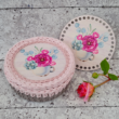 Bazsarózsák vintage csészében - 15 cm kör - Vidéki romantika sorozat