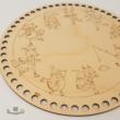 Korcsolyázás a tavon - 20 cm-es horgolható fa alap - Wood Stitch Collection