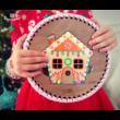 Horgolható mézeskalács ház - ajtós elem -20 cm-es kör - Wood Stitch Collection