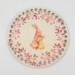 Nyuszi mama csemetéjével - 15 cm-es horgolható faalap