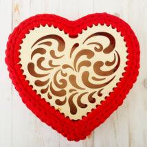 Áttört mintájú szív 22 cm-es horgolható faalap - Wood Stitch Collection