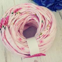 Romantikus, rózsás pólófonal