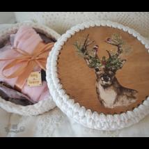 Téli szarvas - Kör 20 cm-es horgolható fa alap - Wood Stitch Collection